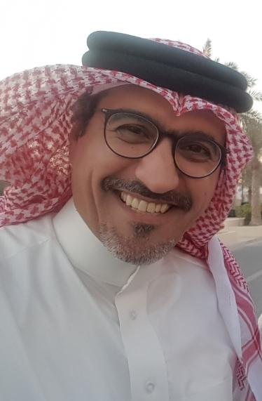 الدكتور أسامة إبراهيم عبدالعزيز الشيخ